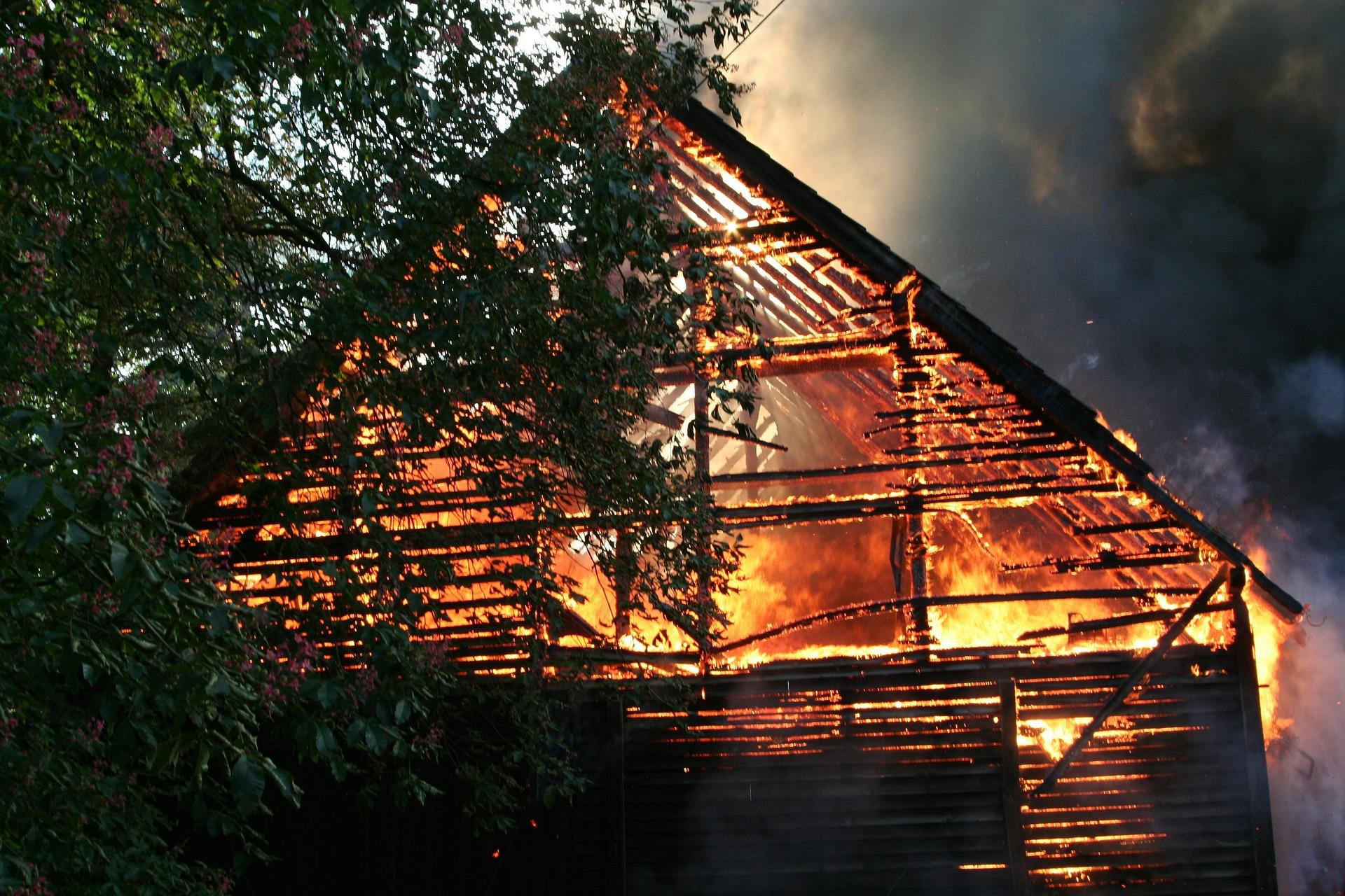 Symbolfoto Brand Scheune Feuer