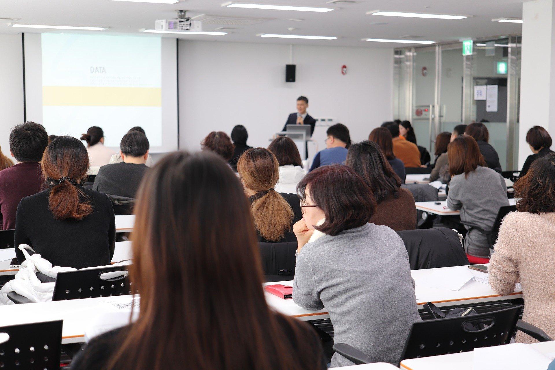 Symbolbild Seminar