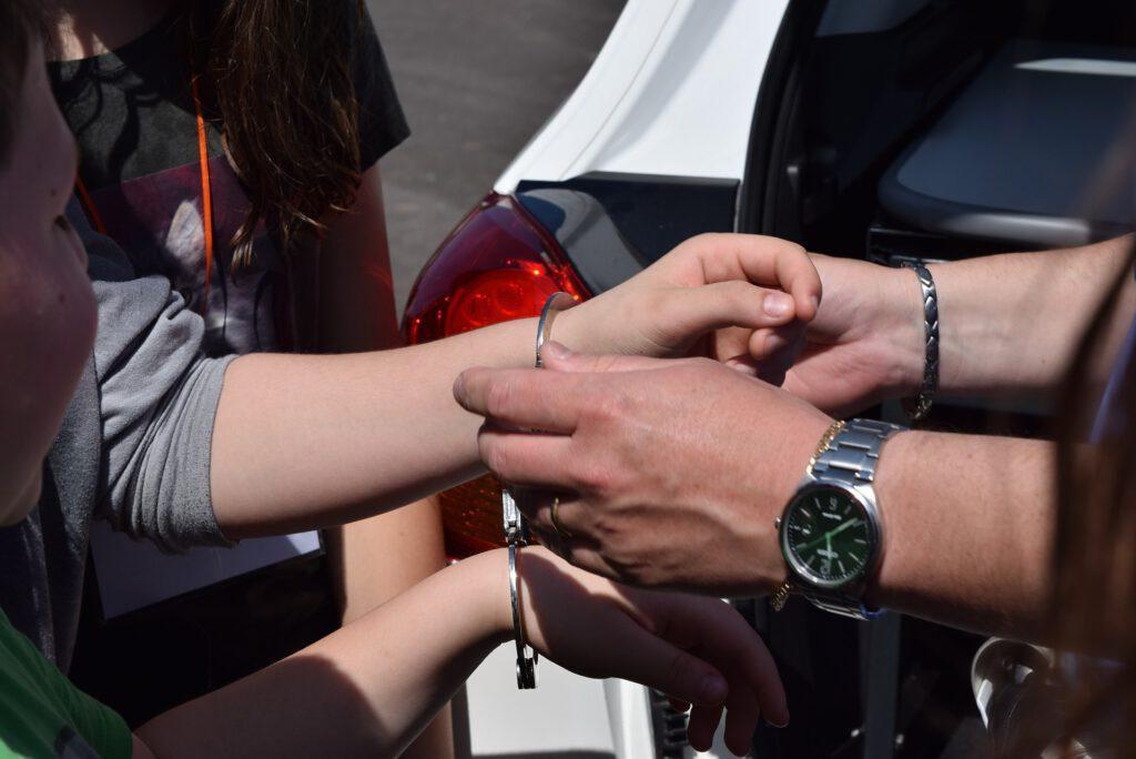 Symbolbild Polizei Festnahme