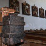 Aufbruch von Opferstock in Kapelle