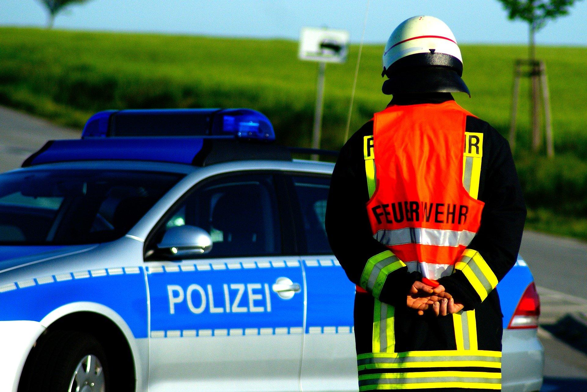 Symbolfoto Feuerwehr Polizei Brand