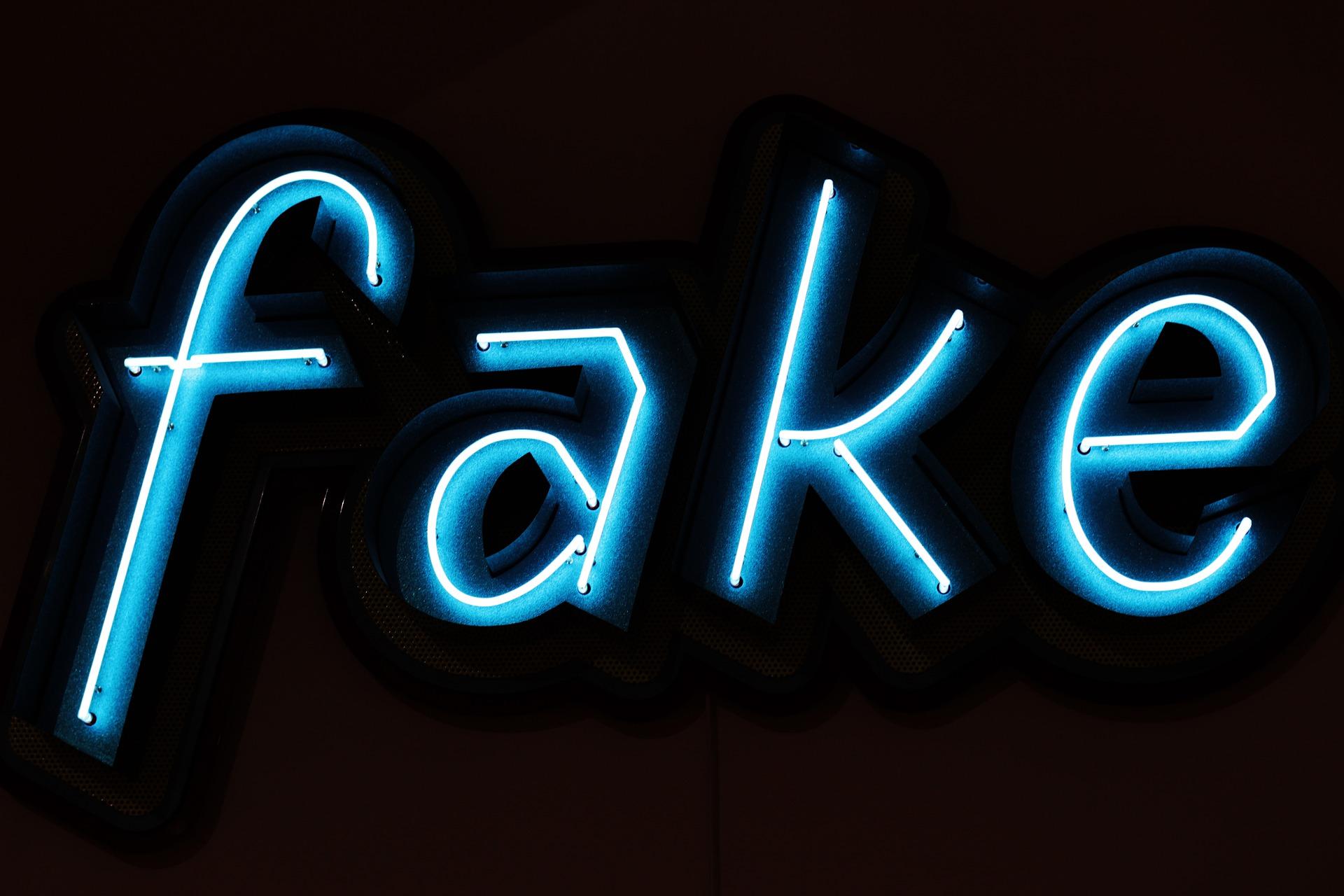Symbolbild Fake Bertrug