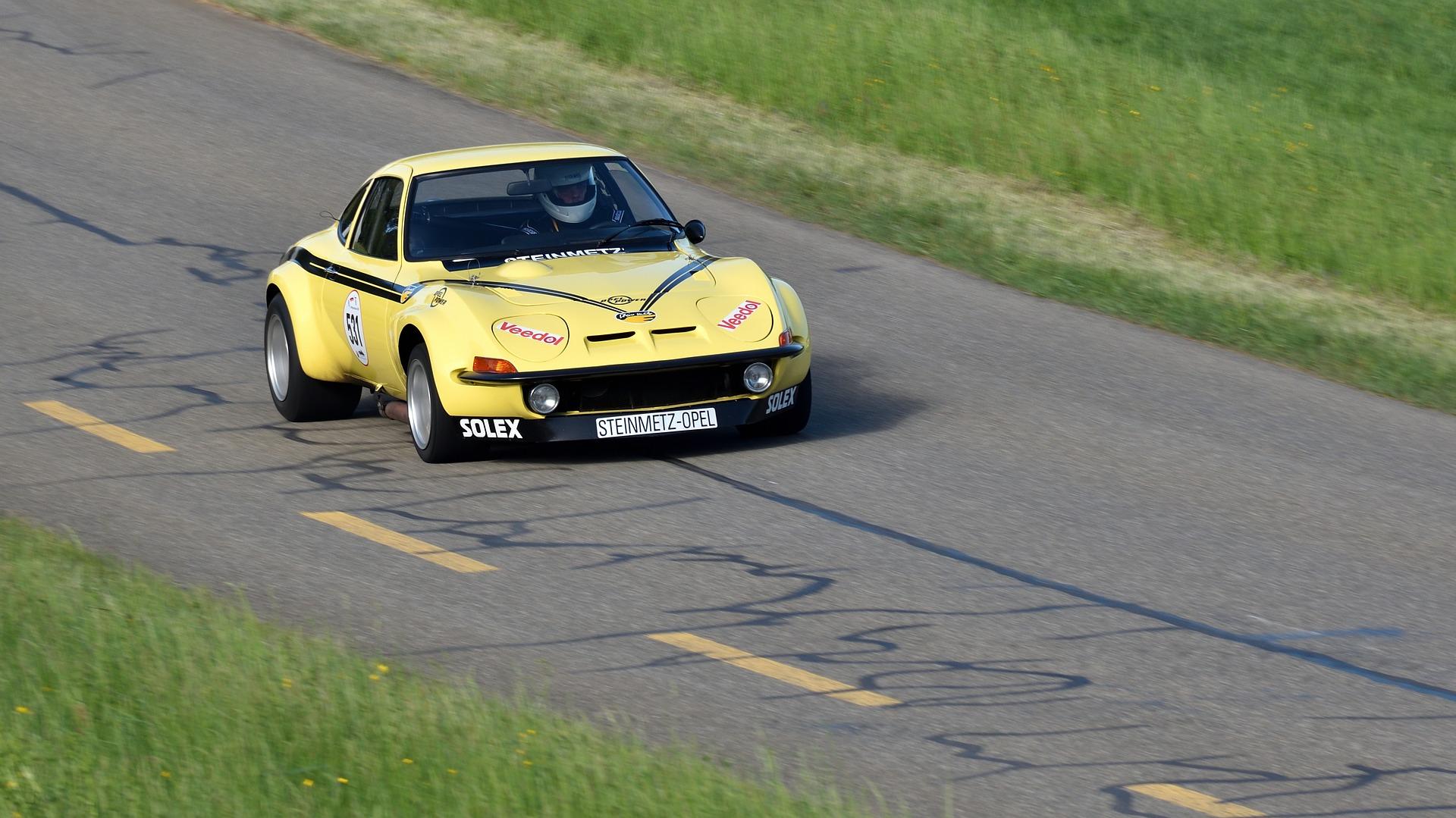 Symbolfoto Auto Rennen