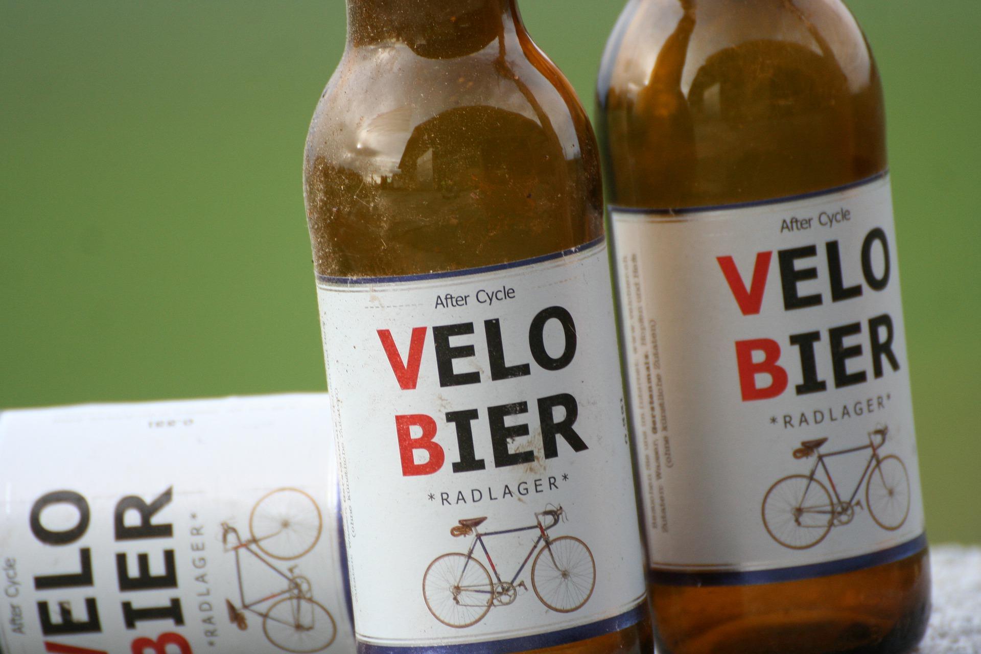 Symbolfoto Alkohol Fahrrad
